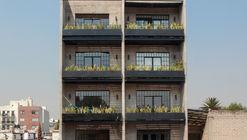 Cerrada de La Paz #19 Building / Estudio Tacubaya