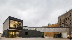 Casa club moncayo / Iconico