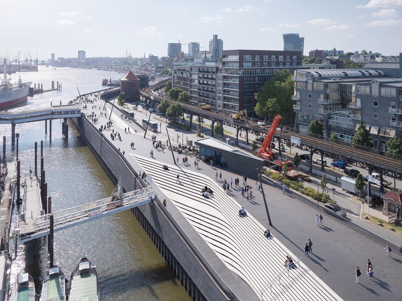Niederhafen River Promenade / Zaha Hadid Architects