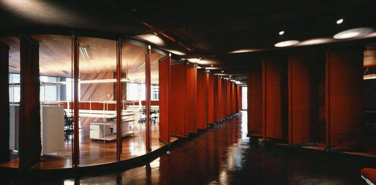 Espacio de oficina / DBAA - Diego Baraona Arquitectos y Asociados, © Erieta Attali