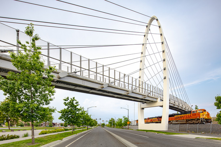 University District Gateway Bridge / LMN Architects, © Adam Hunter