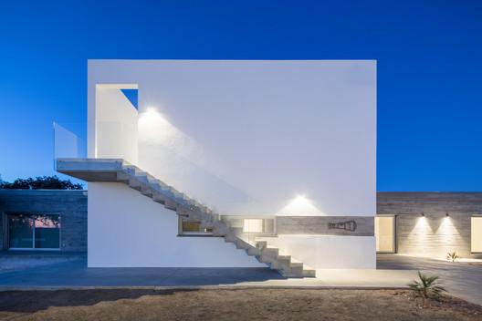 Azimute House / Arquitecturar