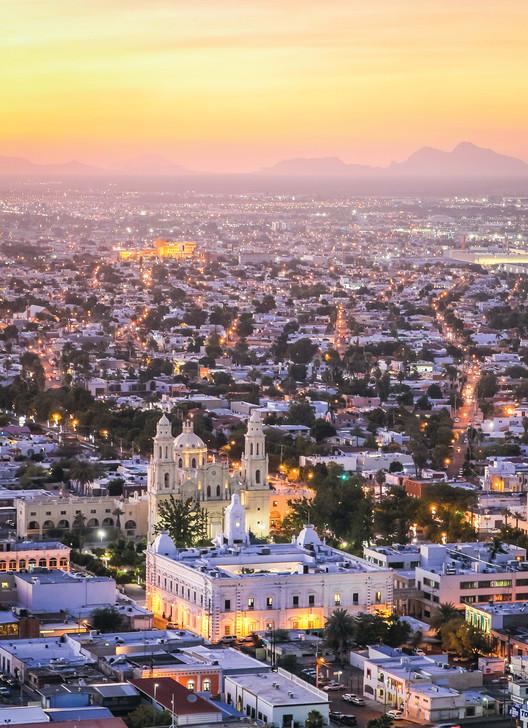 Hermosillo, la ciudad mexicana que se convirtió en campo de experimentación urbana en el desierto, Cortesía de Felipe Vera, Diego Arcia & Andreina Seijas. ImageHermosillo, México