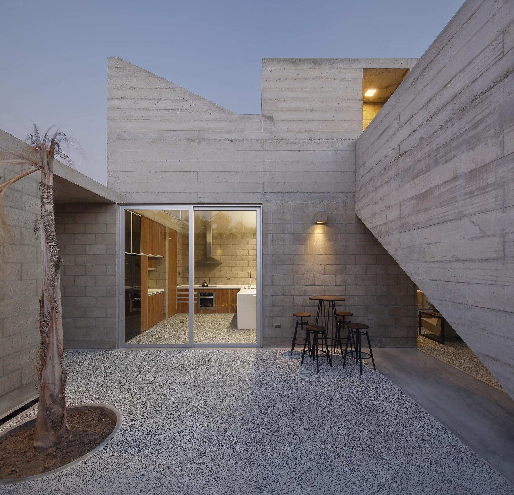 Paracas ii house llosa cortegana arquitectos archdaily for Casa minimalista lima