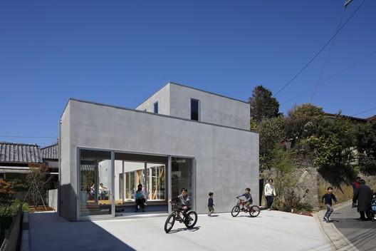 Terrace in the Town House / Yamazaki Kentaro Design Workshop