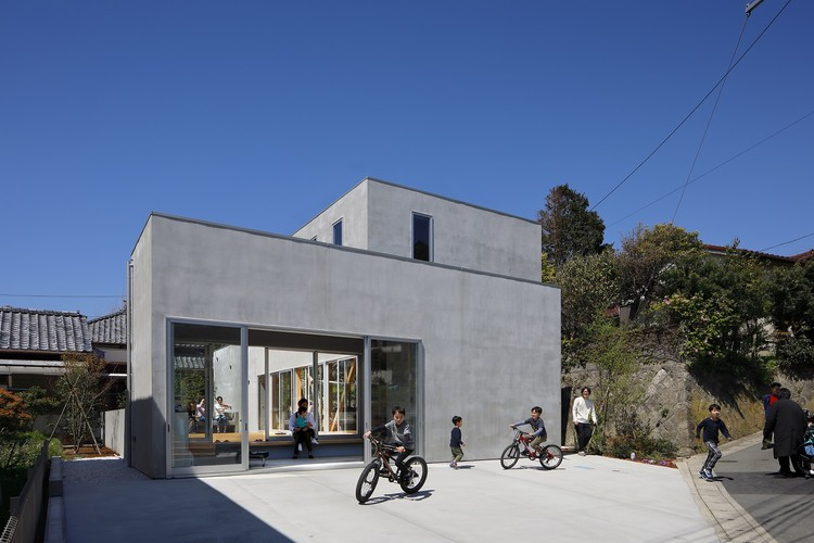 Terrace in the Town / Yamazaki Kentaro Design Workshop, © Naoomi Kurozumi