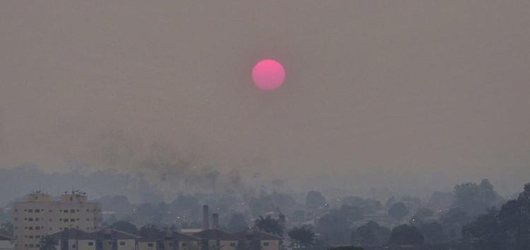 A floresta amazônica está queimando - saiba como isso afeta nossas cidades, Fumaça em Porto Velho, Rondônia, ao amanhecer. Foto: Renata Silva/Arquivo Pessoal