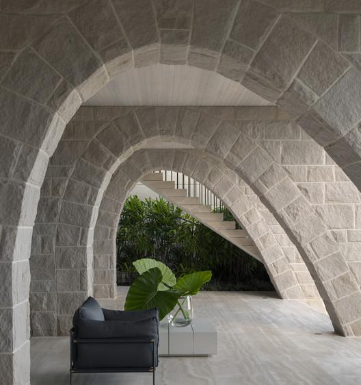 Hill House / Luigi Rosselli