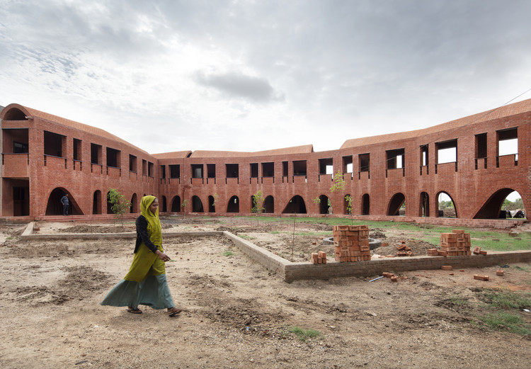 School of Dancing Arches / Samira Rathod Design Associates, © Niveditaa Gupta