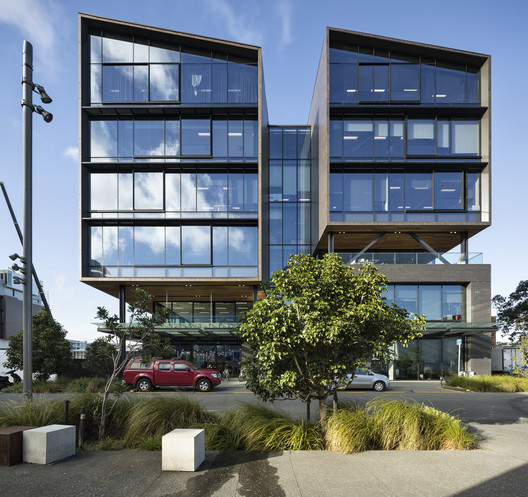 12 Madden Innovation & Residential Building / Warren & Mahoney