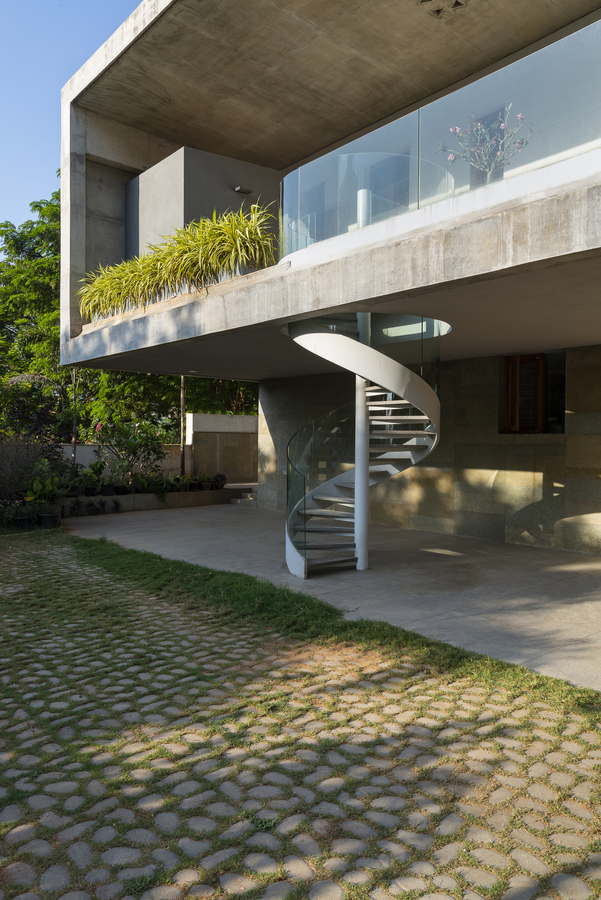 Gallery of The Deck House / Architecture Paradigm - 10
