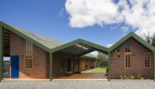 Casa en Sajonia  / Plan:b arquitectos
