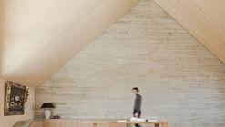 Roof Extension Maxvorstadt R11 / Pool Leber Architekten