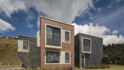 Casa em Envigado / Plan:b arquitectos