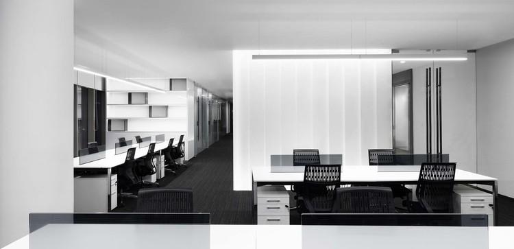 GT Land Plaza Office / DRAWING DESIGN, © YANFEI