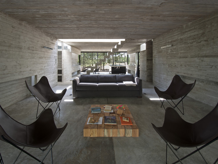L4 House / Luciano Kruk. Image © Daniela Mac Adden