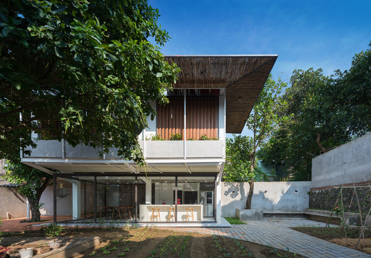 Stacking-Roof House / AD+studio, © Huynh Tri Dung