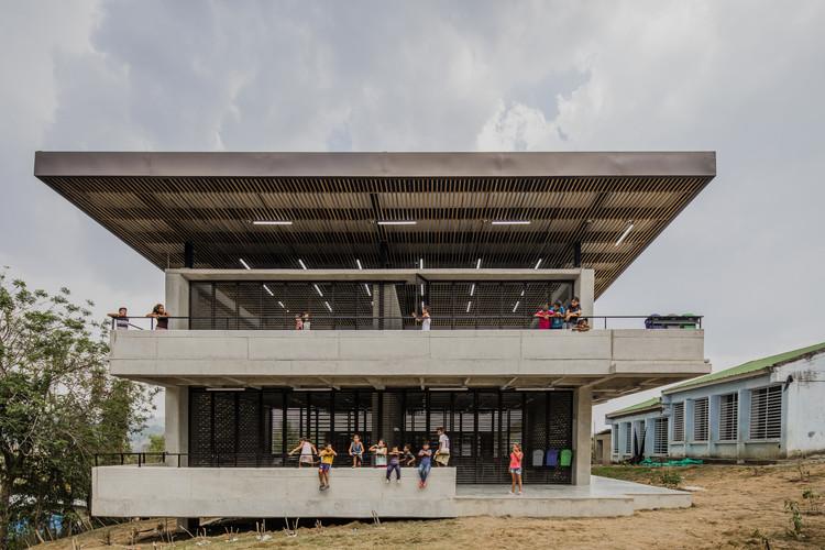Rural School El Hobo / FP Arquitectura, © Alejandro Arango