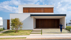 Flying House / Raquel Pelosi Arquitetura e Design Visual