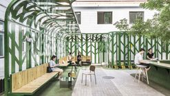 Tree Courtyard / MAT Office