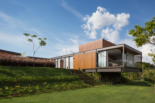 Pindabeirais Residence / Pablo Lanza Arquitetura + André Scarpa