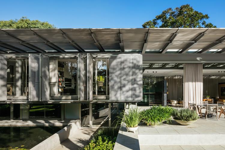 Casa P.E. / Andrade Morettin Arquitetos Associados, © Nelson Kon