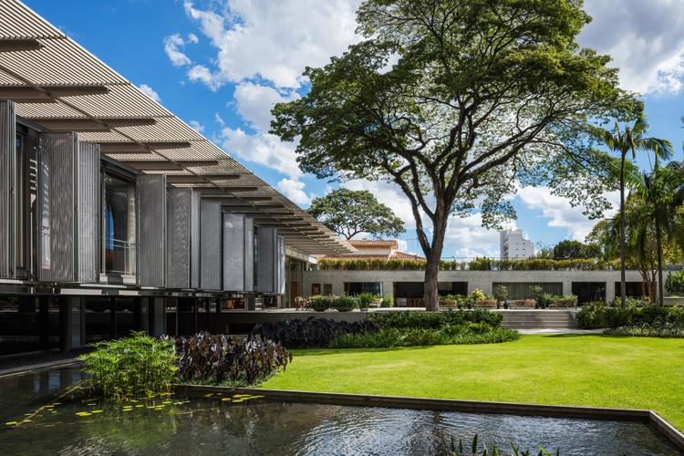 Residência P.E. / Andrade Morettin Arquitetos Associados, © Nelson Kon