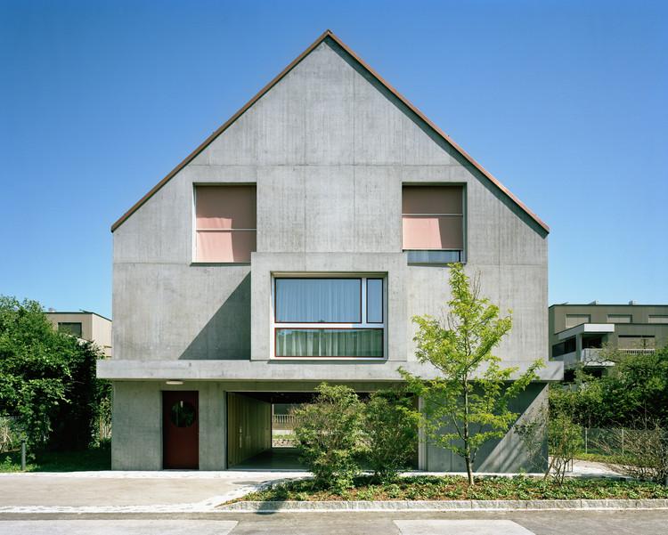 Gemeinschaftssaal Community Hall & Apartments / Blättler Dafflon Architekten, © Joël Tettamanti