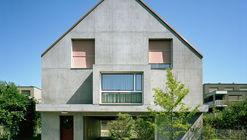 Gemeinschaftssaal Community Hall & Apartments / Blättler Dafflon Architekten