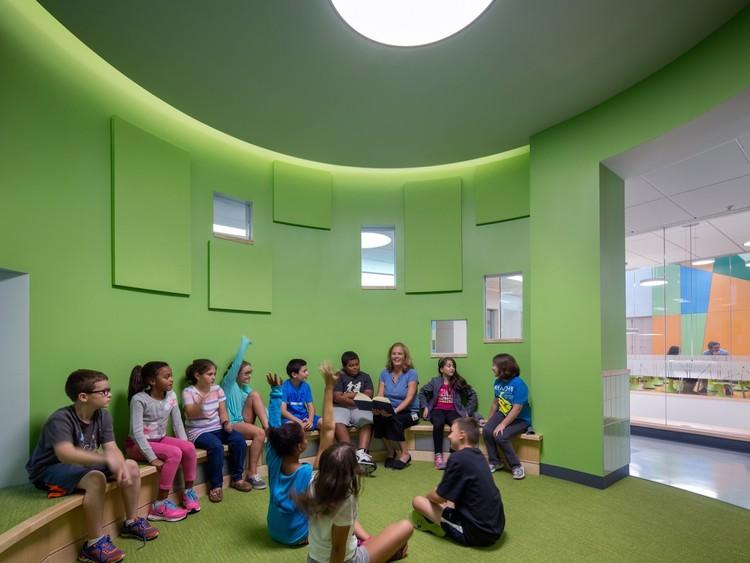 Woodland Elementary School / HMFH Architects. Image © Ed Wonsek