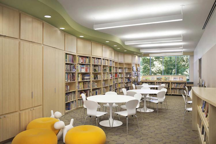 Learning Spring School / Platt Byard Dovell White Architects. Image © Frederick Charles