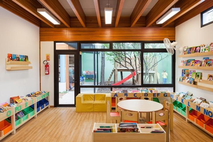 Escola em Alto de Pinheiros / Base Urbana + Pessoa Arquitetos. Image © Pedro Vannucchi