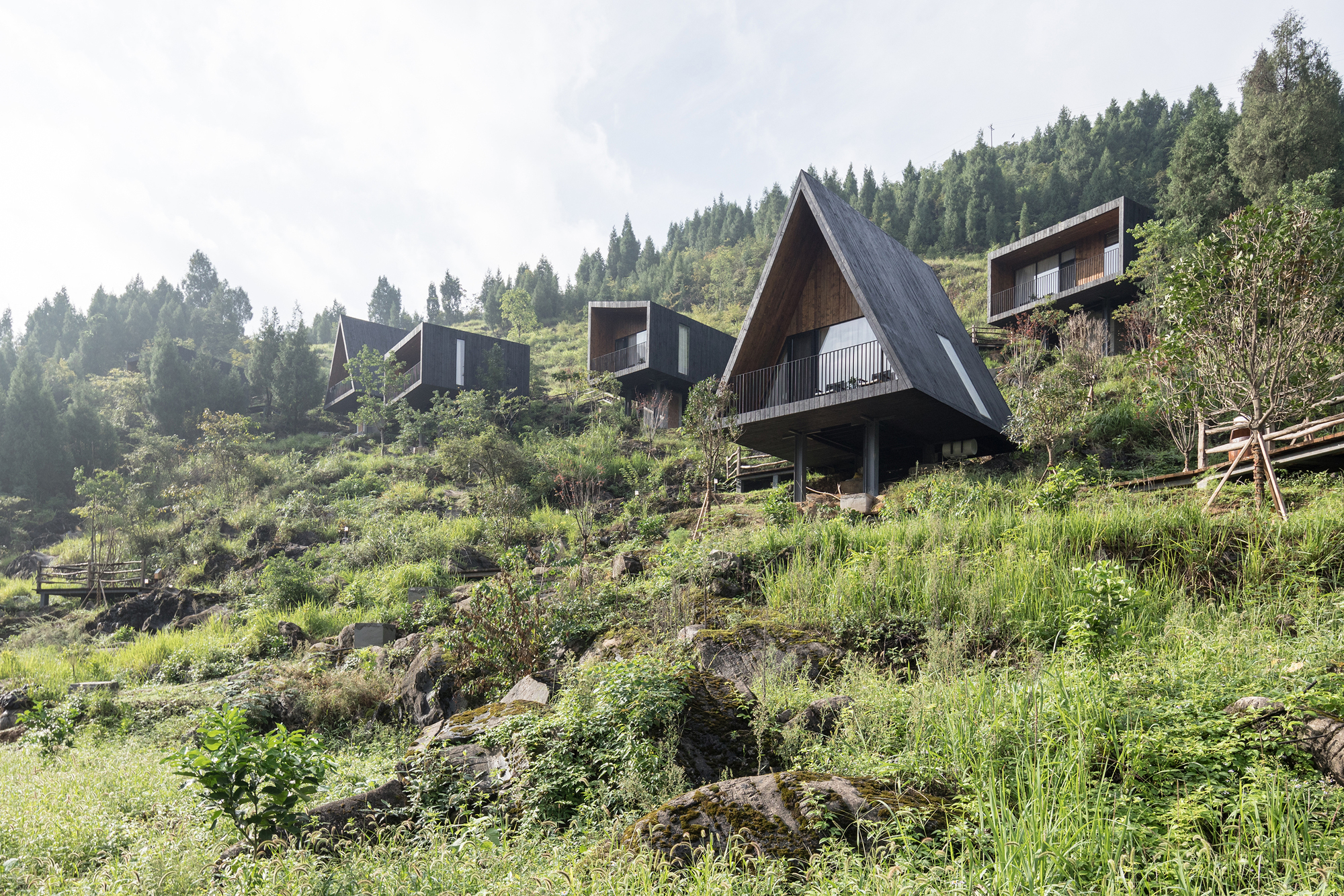 Gallery of Architecture and Topography: 15 Projects with Different Approaches to Relief - 29