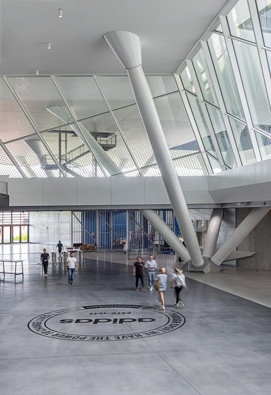 Martin Luther King Junior compañero Salón  Adidas World of Sports Arena / Behnisch Architekten   ArchDaily