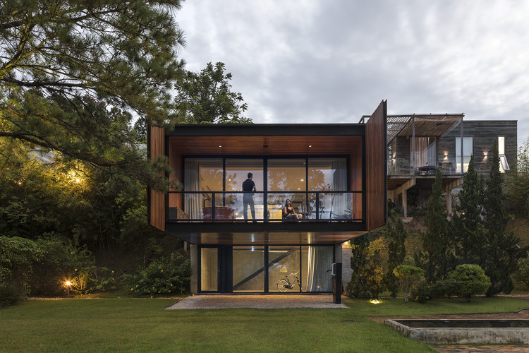 Casa Verde / Jobim Carlevaro Arquitetos, © Leonardo Finotti