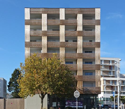 Floreal Apartments / jba