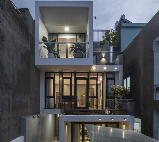 DD House / Hoang Vu Architect + SALA Landscape & Architecture
