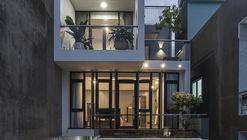 Casa DD / Hoang Vu Architect + SALA Landscape & Architecture