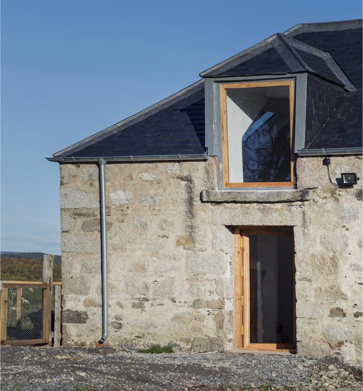 West Croftmore Renovation / Morales Finch, © Oskar Proctor