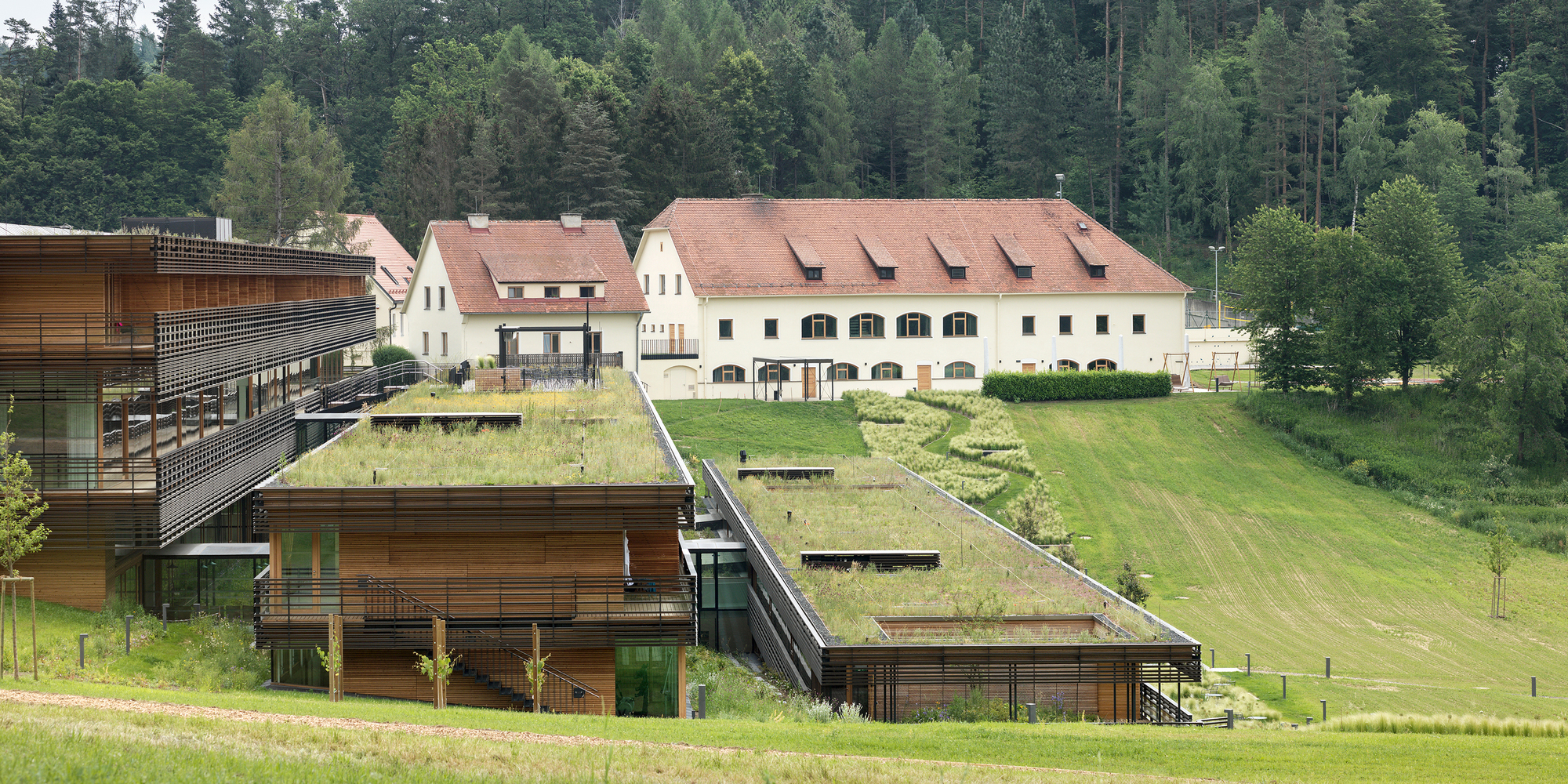 Health Care Facility Josefhof / Dietger Wissounig Architekten