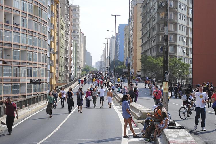 Tudo o que causa a gentrificação, de A a Z, A gentrificação vem sendo um dos principais pontos de debate sobre o projeto que pretende transformar o Minhocão em um parque linear. Imagem: Felipe Rodrigues