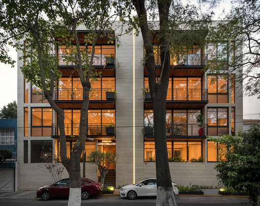 LC 843 Building / Escala Arquitectos + A+EU Arquitectura y estrategias urbanas