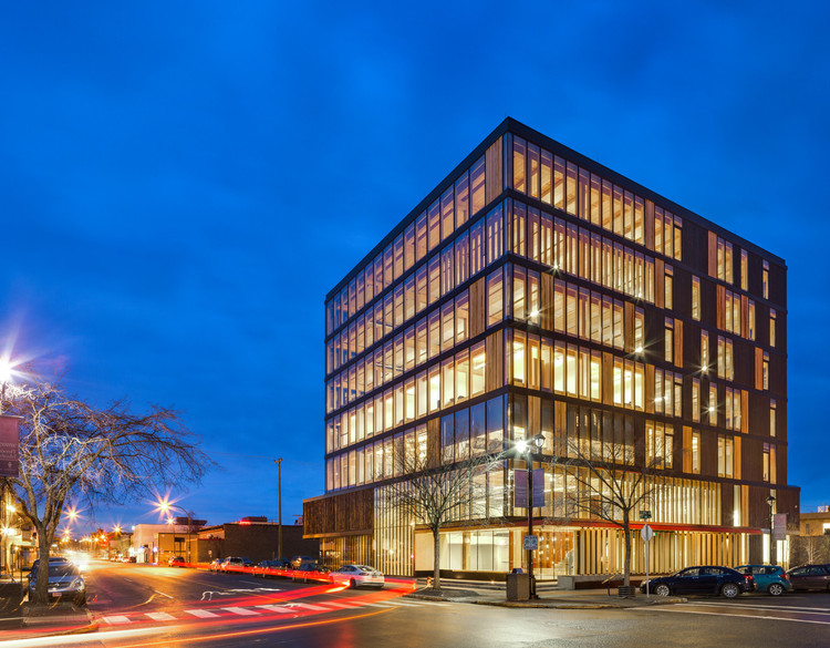 Image of the Wood Innovation Design Center. Image © Ema Peter
