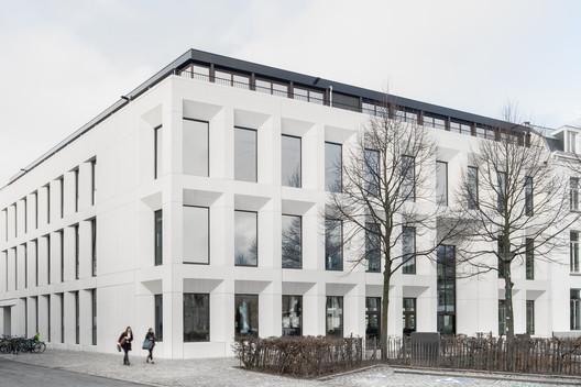 Antwerp Management School / HUB