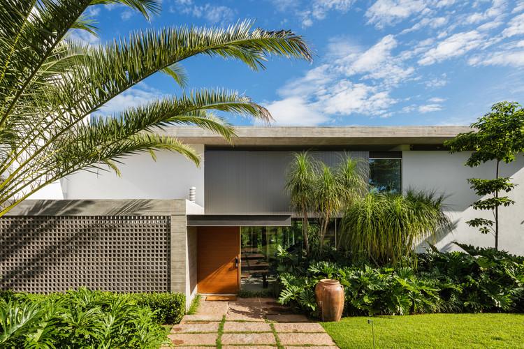 DMG Residence / Reinach Mendonça Arquitetos Associados, © Nelson Kon