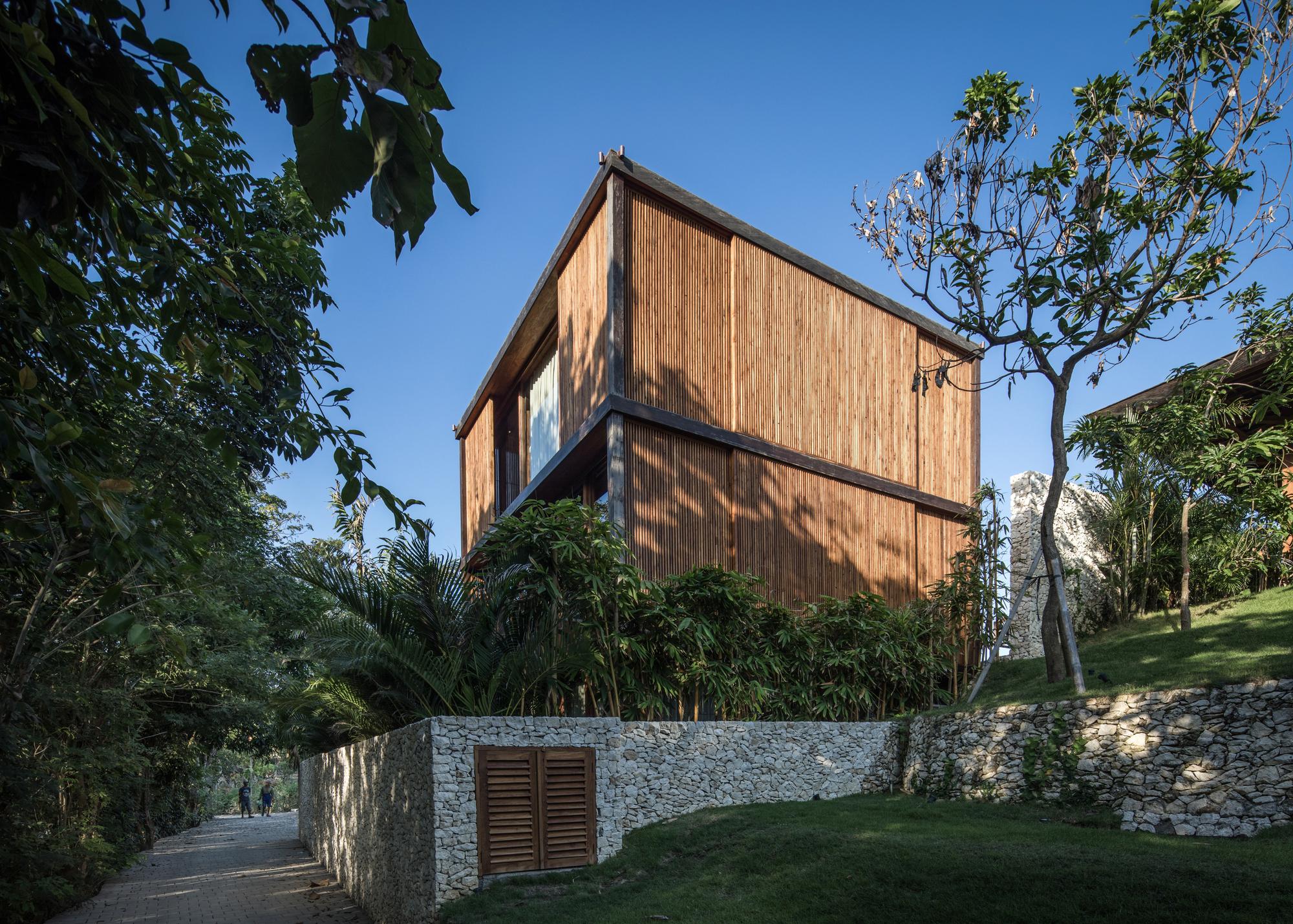Gallery of House Aperture / Alexis Dornier - 1
