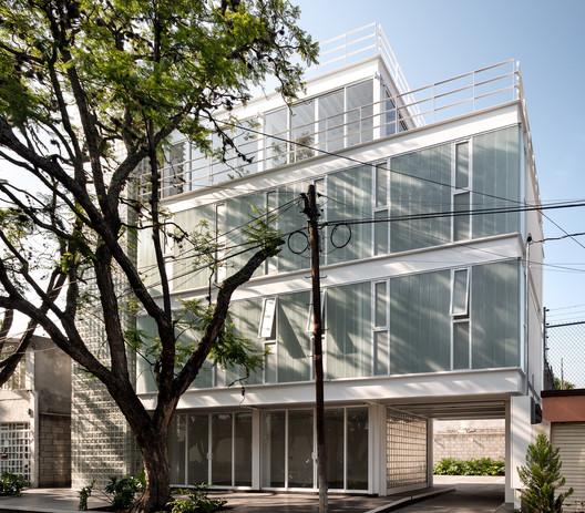 Edificio Avenida Central / Emilio Alvarez Abouchard Arquitectura