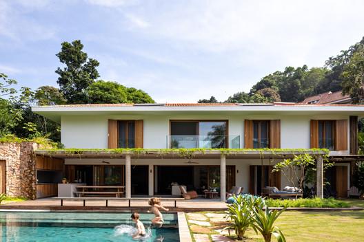Casa IP 01 / Studio Gabriel Garbin Arquitetura