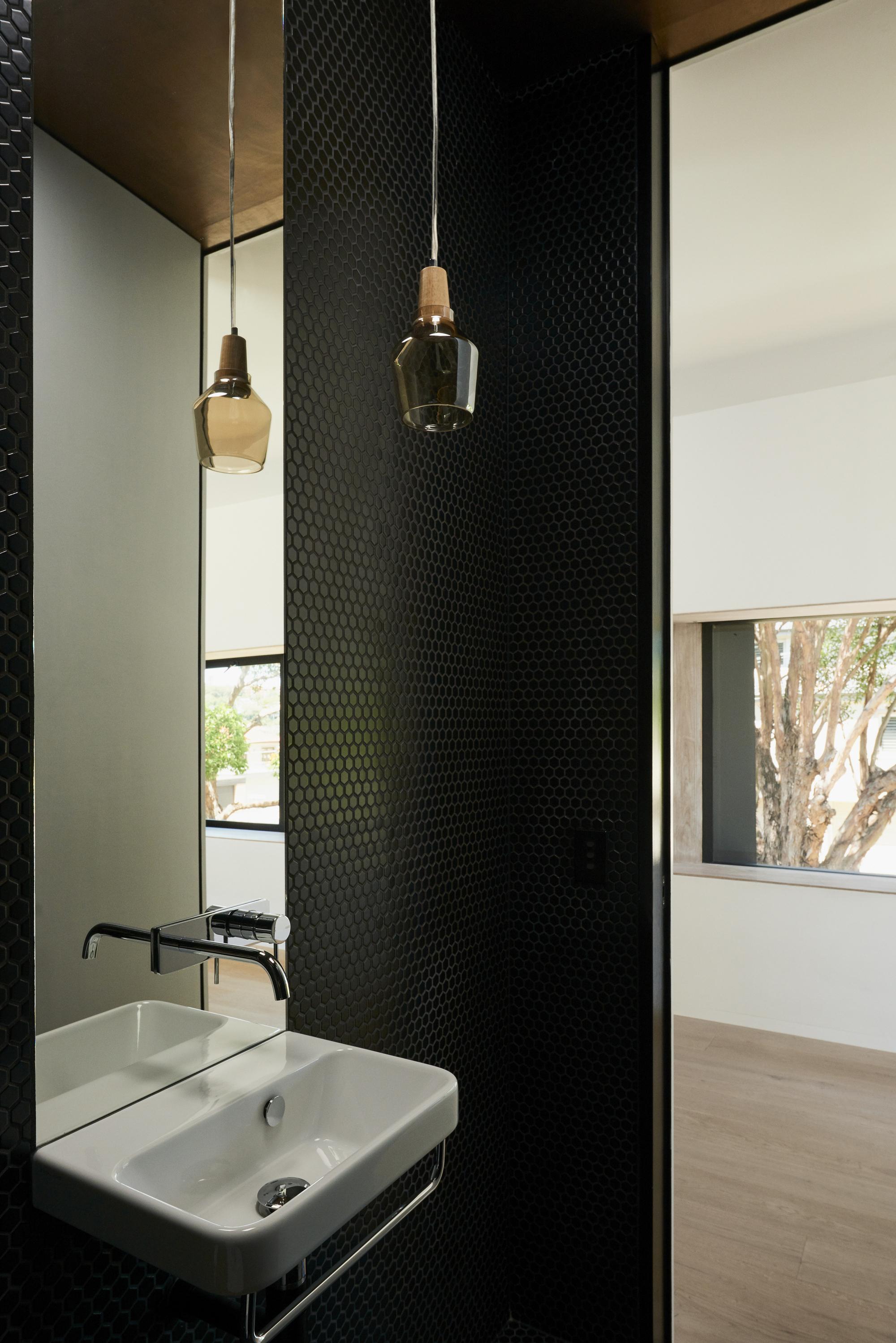 Galería de ¿Cuál es la mejor iluminación para un baño? - 6