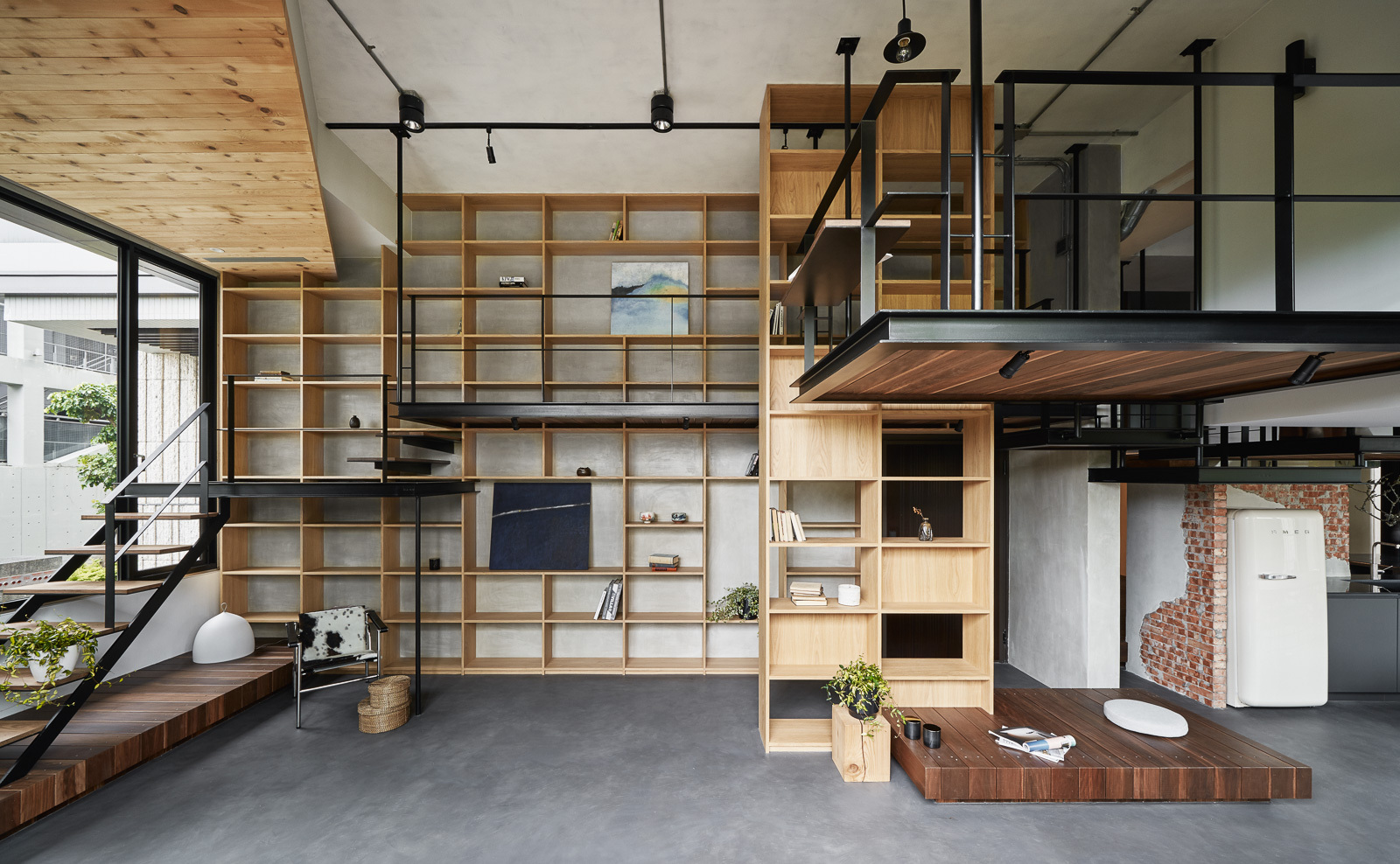 Gallery of Life in Tree House / Soar Design Studio - 1